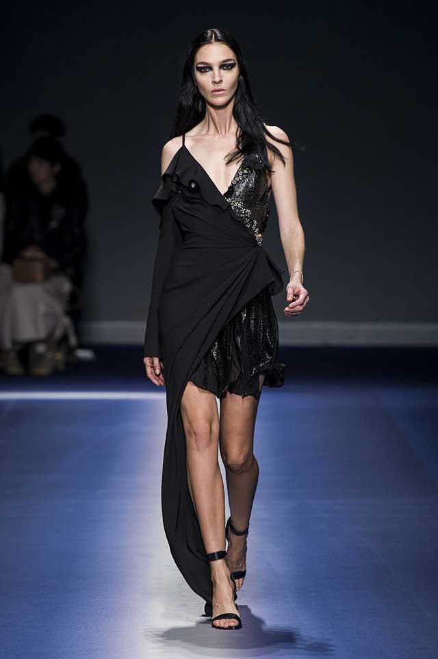 Versace-fw17-rtw-fall-winter-2017-18-collection (53)-black-asymmetric-dress