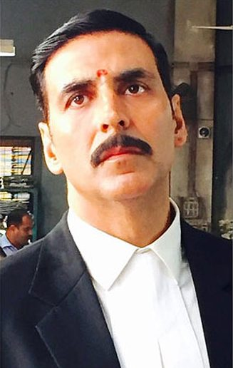 akshay-kumar-jolly-llb-side-part-hairstyle-2017-latest-celebrity-styles