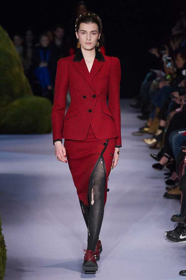 altuzarra-fw17-rtw-fall-winter-2017-18-collection (14)-red-checkered-leggings