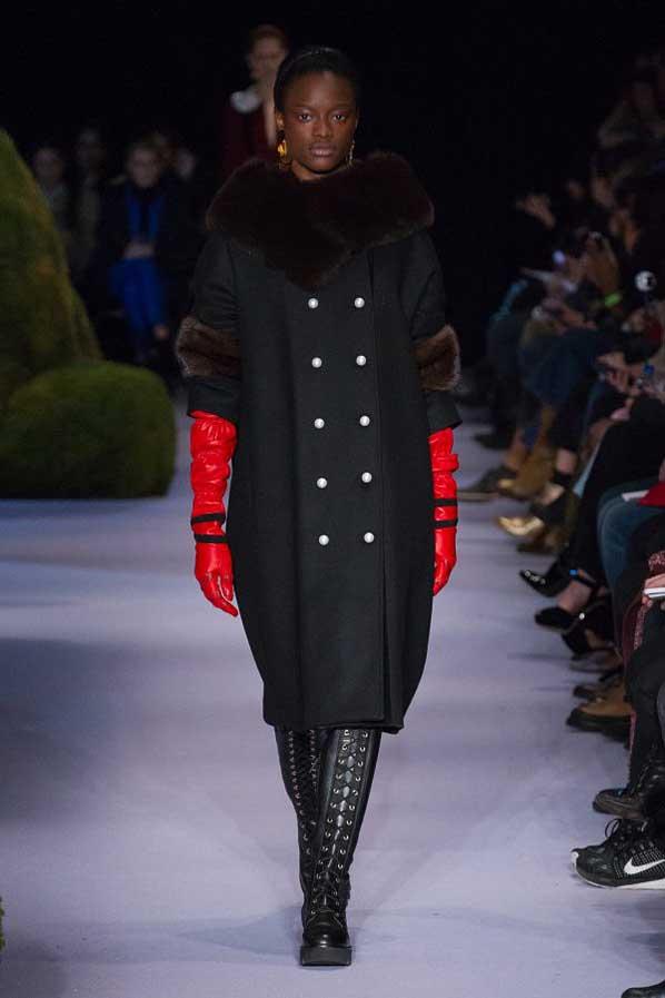 altuzarra-fw17-rtw-fall-winter-2017-18-collection (15)-black-coat-red-gloves