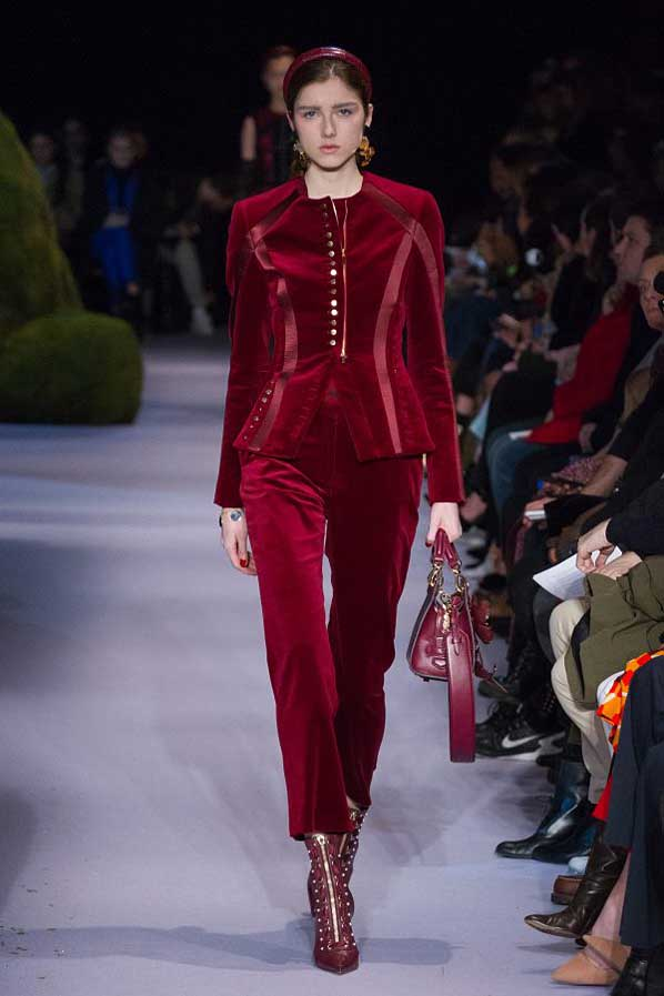 altuzarra-fw17-rtw-fall-winter-2017-18-collection (19)-red-velvet-outfit-bag
