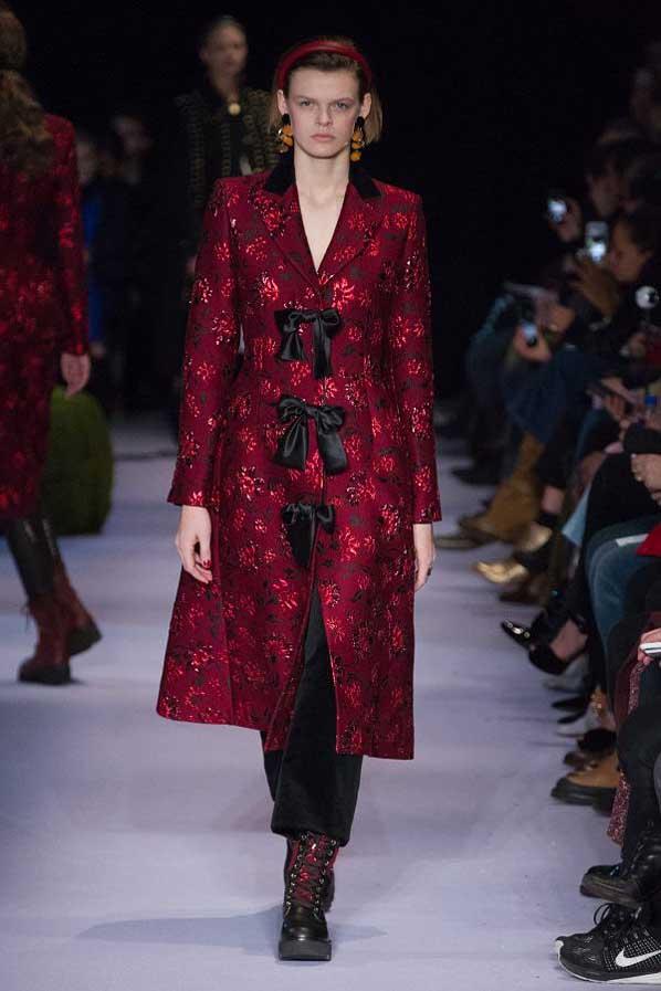 altuzarra-fw17-rtw-fall-winter-2017-18-collection (23)-red-coat