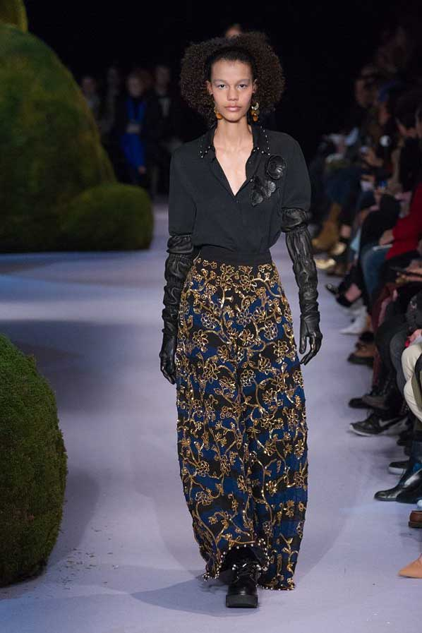 altuzarra-fw17-rtw-fall-winter-2017-18-collection (44)-embellished-skirt-party-gloves