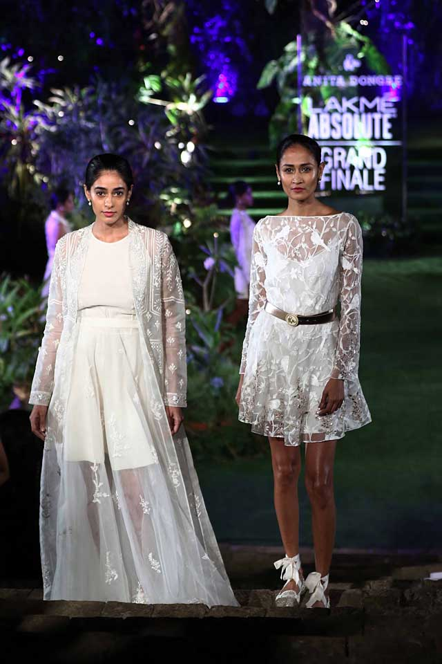anita-dongre-summer-resort-2017-lakme-fashion-week-dress-indowestern-gown-white