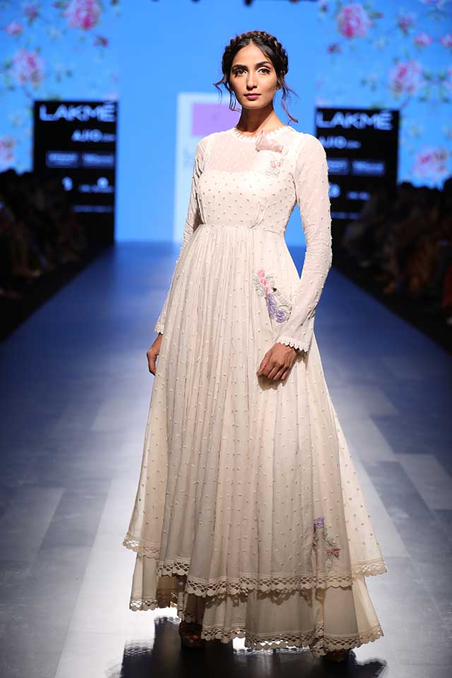 anushree-reddy-lfw-lakme-fashion-week-sr17-summer-resort-2017-dress (1)
