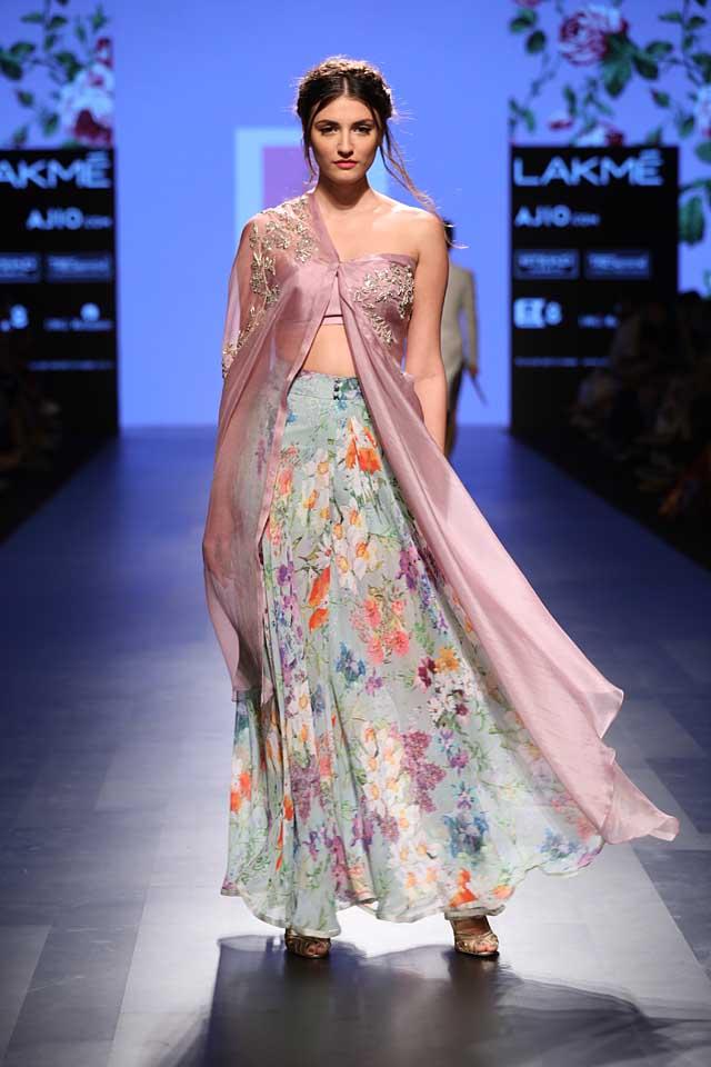 anushree-reddy-lfw-lakme-fashion-week-sr17-summer-resort-2017-dress (3)