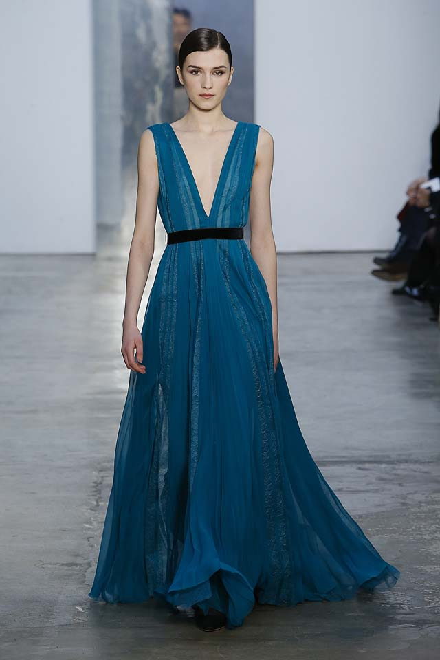 carolina-herrera-fw17-rtw-fall-winter-2017-18-collection (23)-blue=plunging-neckline-gown