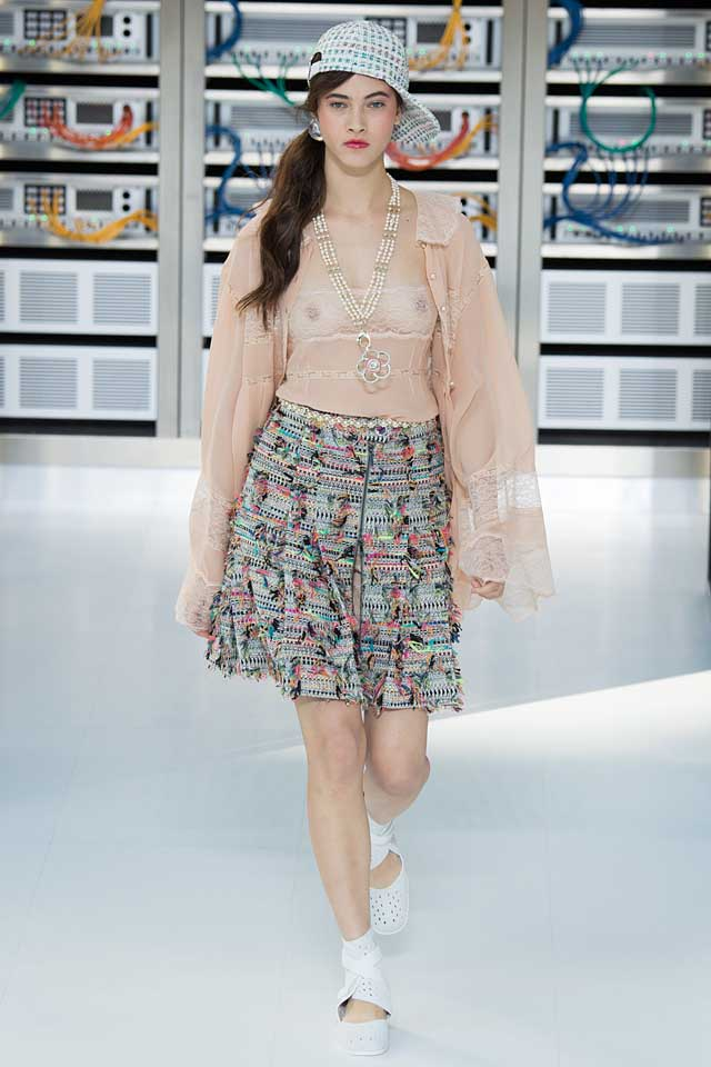 chanel-nude-top-skirt-baseball-cap-latest-fashion-colors-2017-color-trends