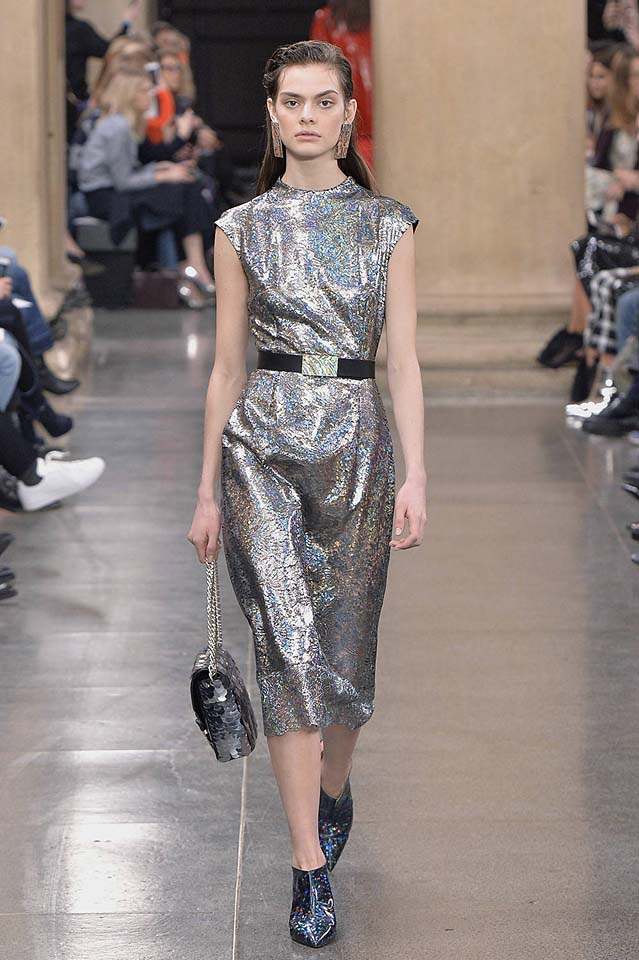 christopher-kane-fw17-rtw-fall-winter-2017-18-collection (38)-metallic-dress
