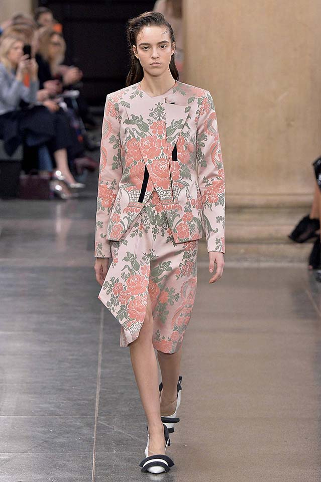 christopher-kane-fw17-rtw-fall-winter-2017-18-collection (5)-floral-coat-skirt