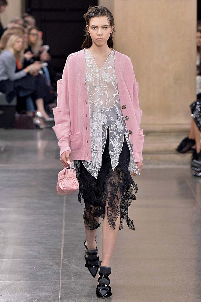 christopher-kane-fw17-rtw-fall-winter-2017-18-collection (9)-sheer-top-pink-sweater