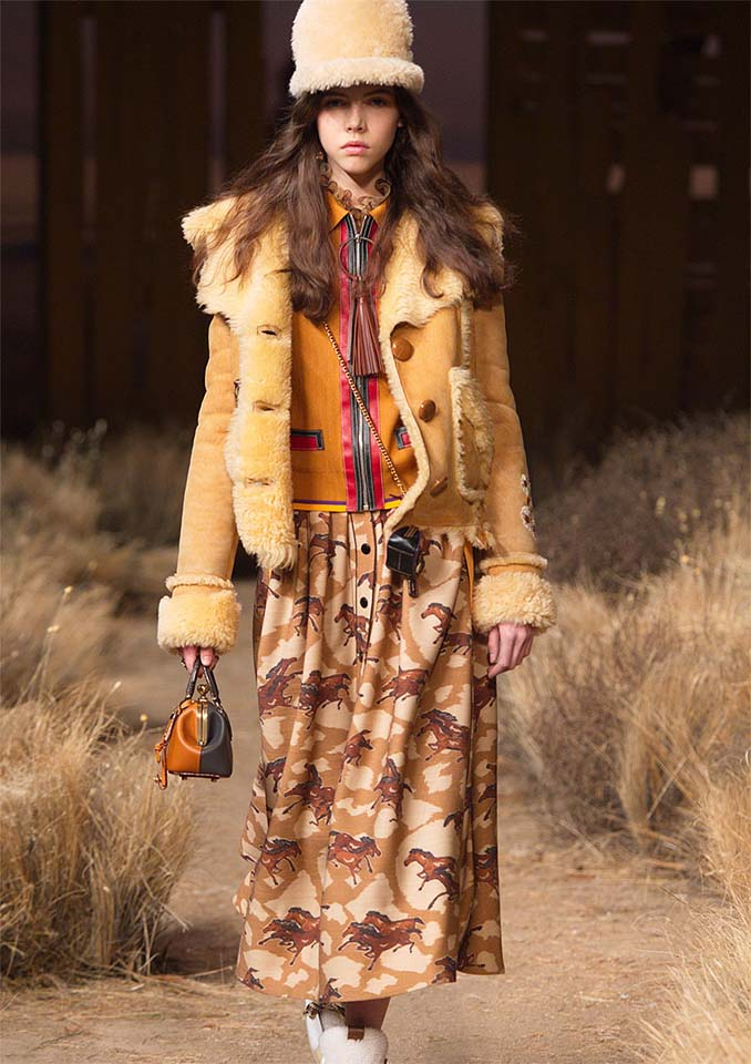 coach-fw17-rtw-fall-winter-2017-outfit-collection (1)-accessories-details-hat-bag