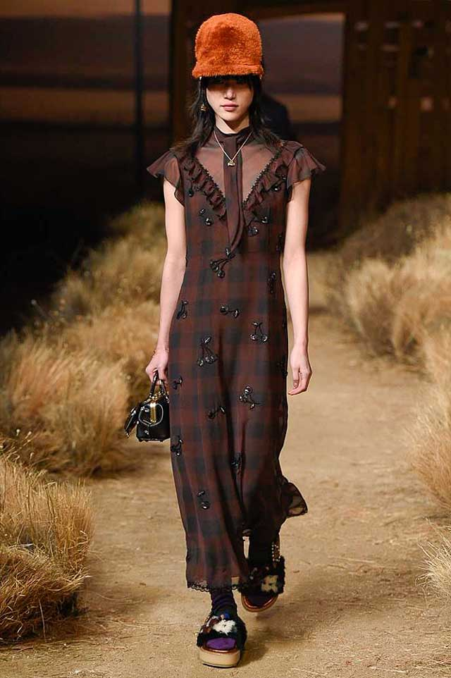 coach-fw17-rtw-fall-winter-2017-outfit-collection (11)-brown-check-dress