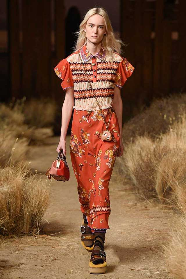 coach-fw17-rtw-fall-winter-2017-outfit-collection (21)-orange-rusyt-skirt