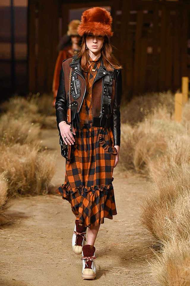 coach-fw17-rtw-fall-winter-2017-outfit-collection (8)-brown-hat-black-leather-jacket