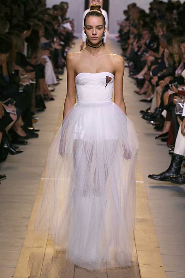 dior-outfit-sheer-skirt-white-latest-2017-trends-spring-fashion
