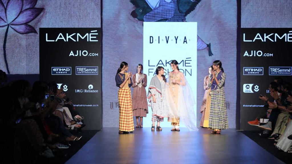 divya sheth-lakme-fashion-week-sr17-indo-western-checks-saree-gown