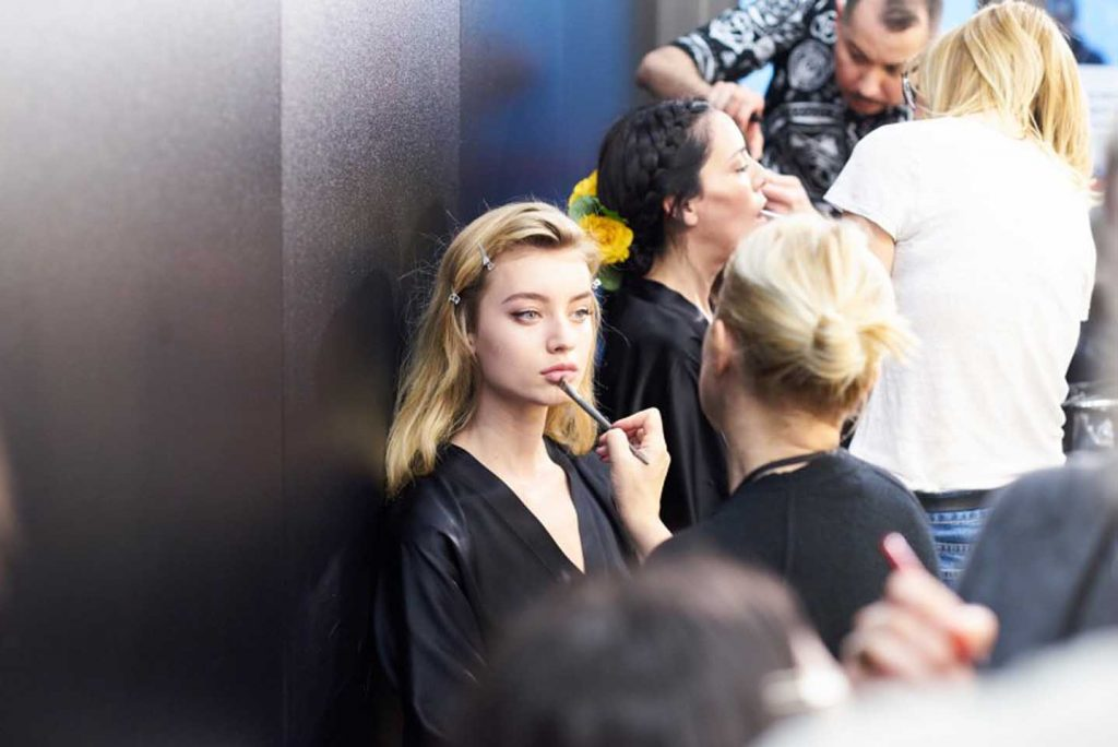 dolce-and-gabbana-fall-winter-2017-18-women-fashion-show-backstage-details (15)-nude-makeup