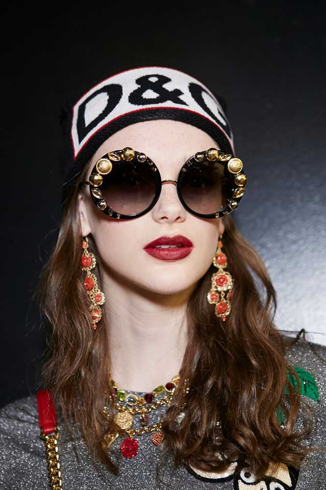 dolce-and-gabbana-fall-winter-2017-18-women-fashion-show-backstage-details (21)-embellished-sunglasses