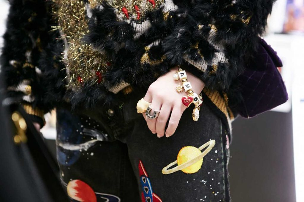 dolce-and-gabbana-fall-winter-2017-18-women-fashion-show-backstage-details (50)-bracelet-detail