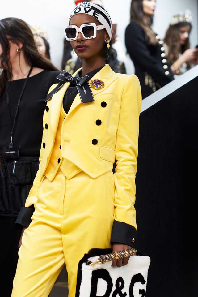 dolce-and-gabbana-fall-winter-2017-18-women-fashion-show-backstage-details (66)-yellow-suit