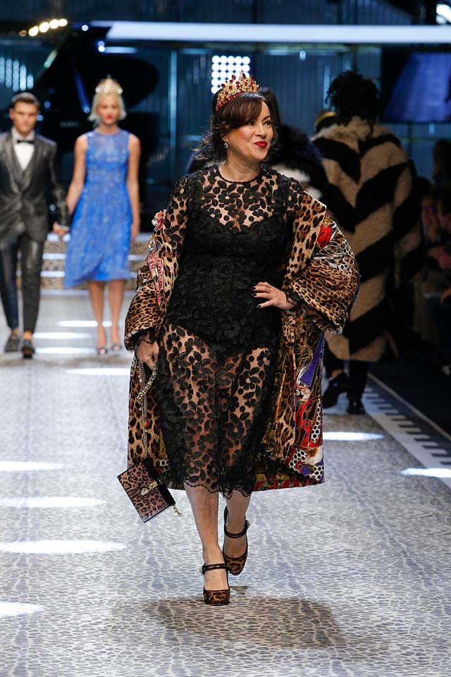 dolce-and-gabbana-fw17-rtw-fall-winter-2017-18-collection (104)-lace-black-dress
