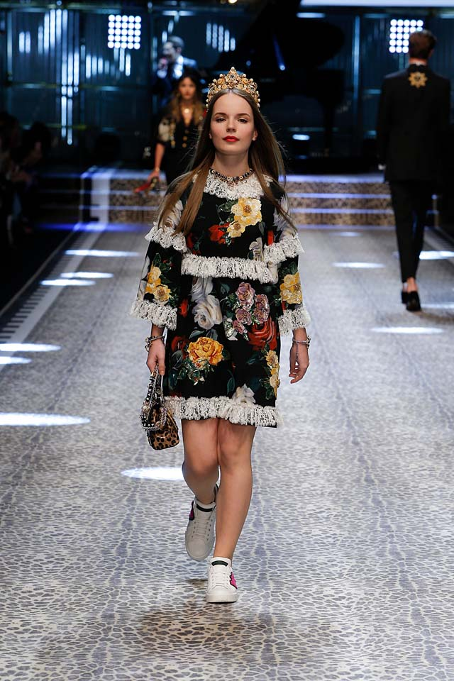 dolce-and-gabbana-fw17-rtw-fall-winter-2017-18-collection (37)-floral-dress