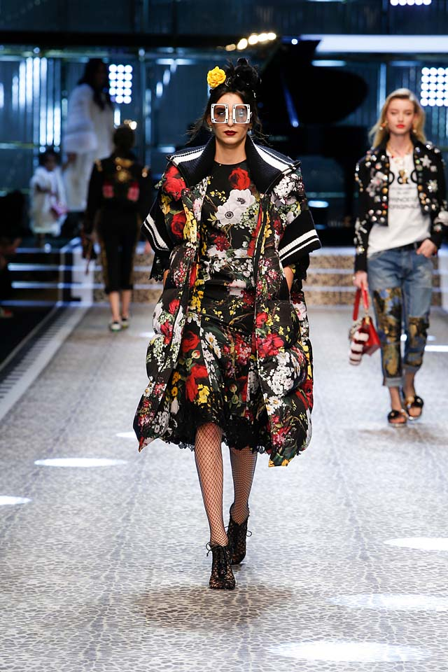 dolce-and-gabbana-fw17-rtw-fall-winter-2017-18-collection (51)-floral-dress