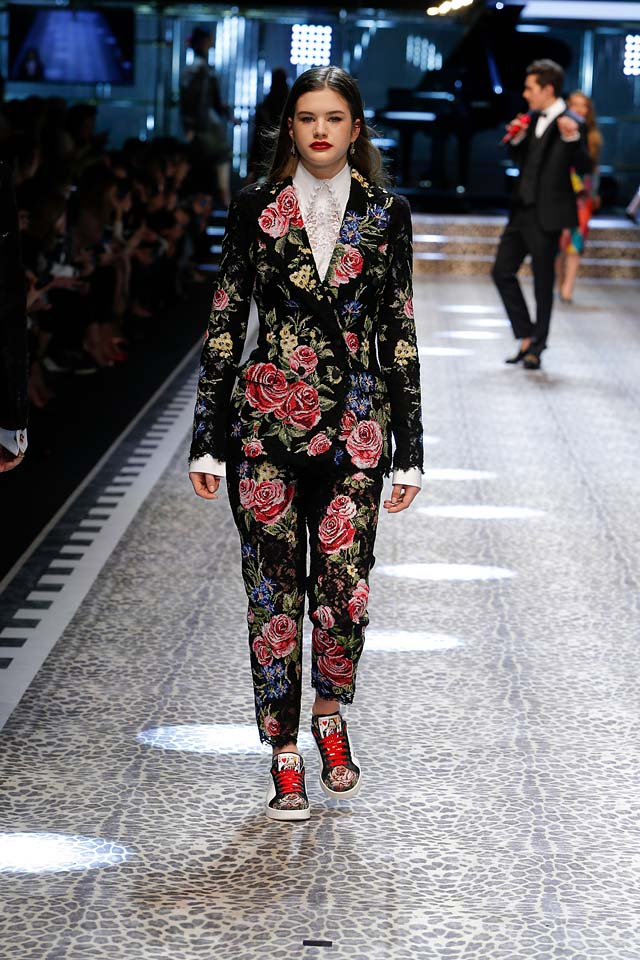 dolce-and-gabbana-fw17-rtw-fall-winter-2017-18-collection (60)floral-suit