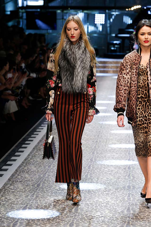 dolce-and-gabbana-fw17-rtw-fall-winter-2017-18-collection (63)-fur-scarf-striped-pants