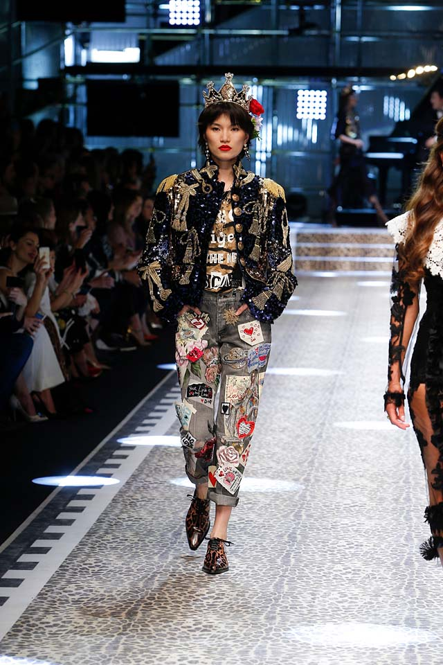 dolce-and-gabbana-fw17-rtw-fall-winter-2017-18-collection (7)-patchwork-jeans