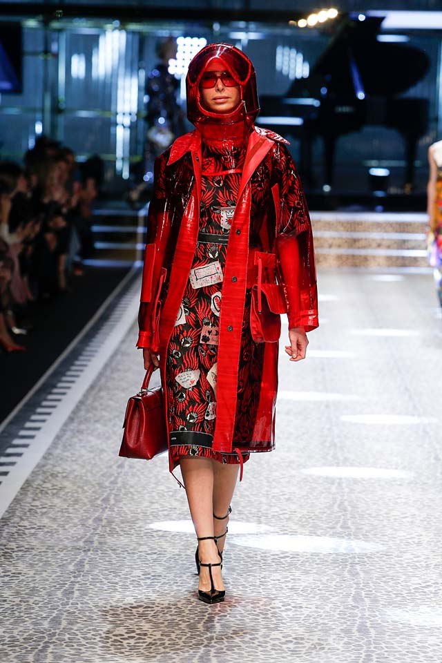 dolce-and-gabbana-fw17-rtw-fall-winter-2017-18-collection (85)-red-dress