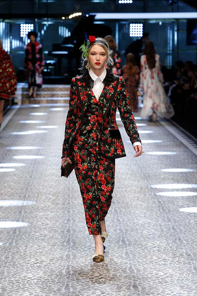 dolce-and-gabbana-fw17-rtw-fall-winter-2017-18-collection (96)-floral-suit