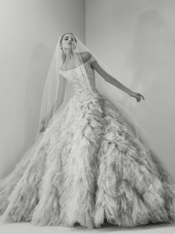 elie-saab-fall-2017-bridal-collection (12)-fur-poofy-gown