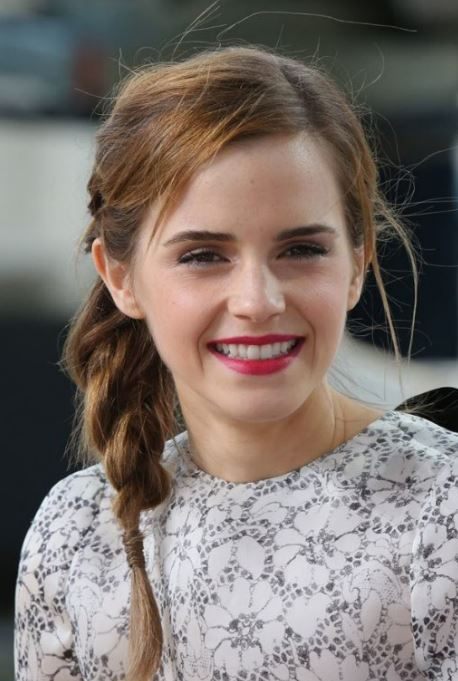 emma-watson-messy-elegant-hairstyles-trendy-short-hair