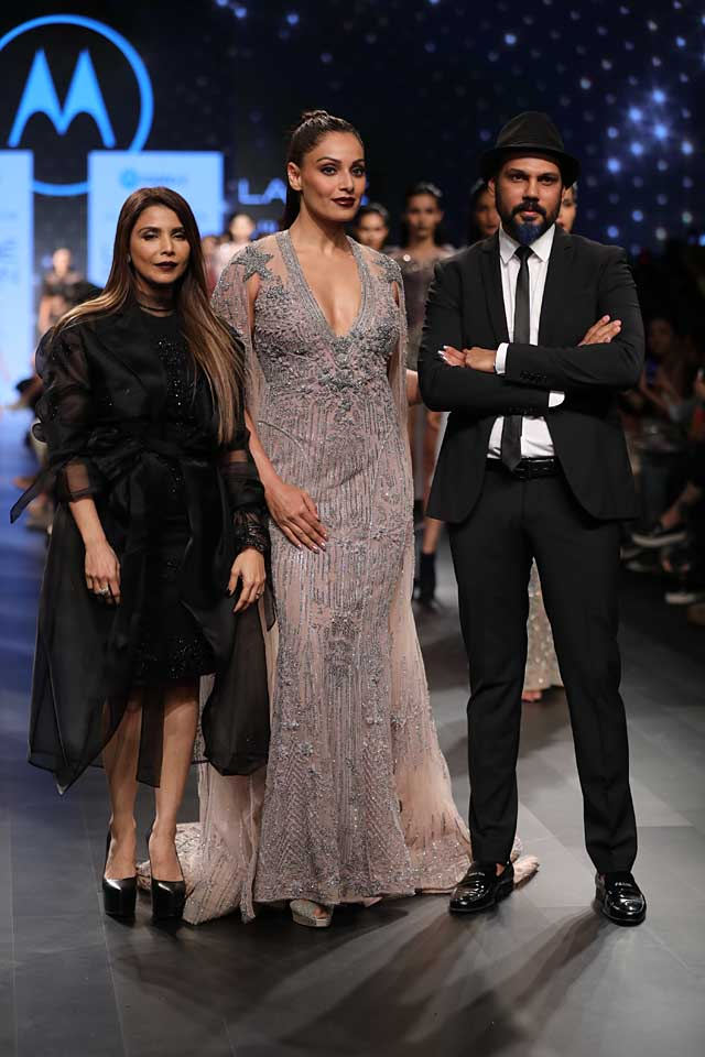 falguni-shane-peacock-bipasha-basu-lakme-fashion-week-summer-resort-2017