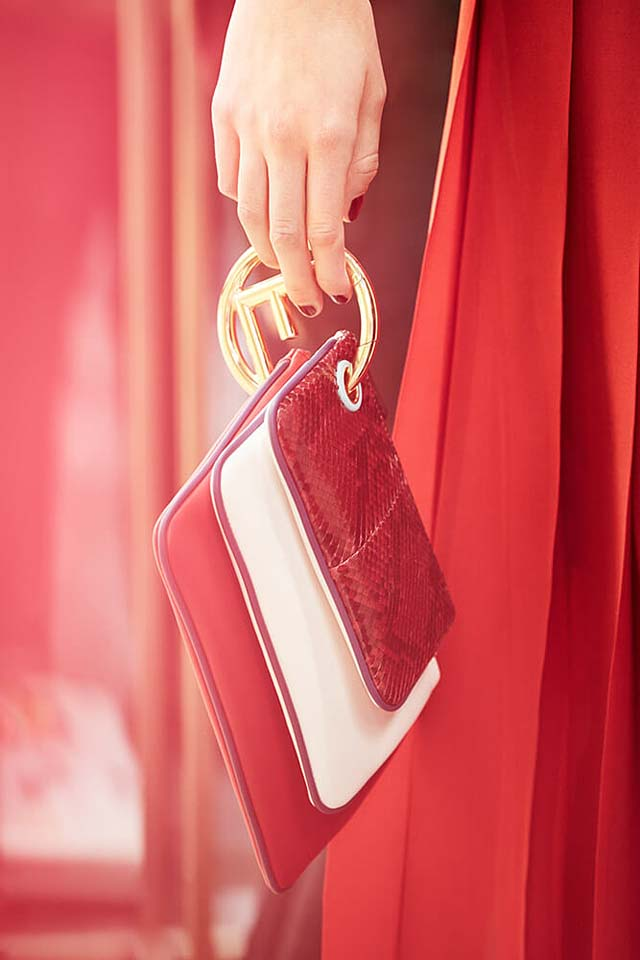 fendi-fw17-rtw-fall-winter-2017-18-collection-details (3)-backstage-purse-red