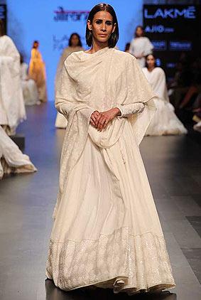 gaurang-shah-lakme-fashion-week-sr17-lfw-summer-resort-2017-indian-1-white-outfit