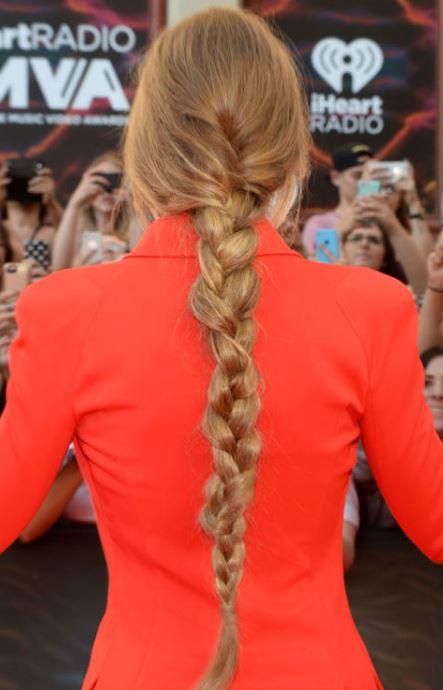 gigi hadid-simple-three-strand-braid-cute-party-hairstyles-for-women