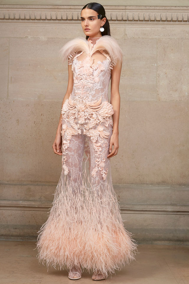 givenchy-couture-spring-2017-feather-gowns-latest-gown-trends-spring-summer-2017-collection