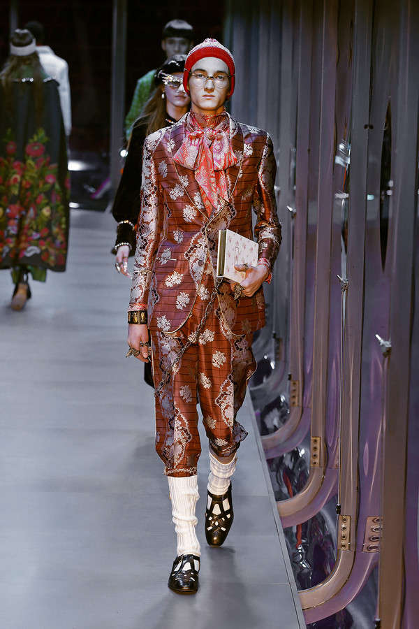 gucci-fw17-rtw-fall-winter-2017-2018-collection (103)-prints-suit-socks