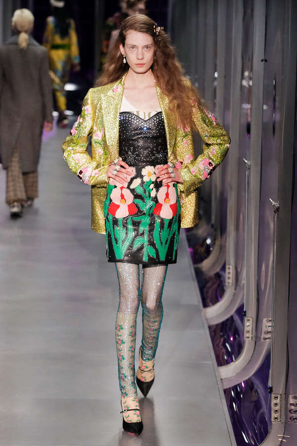 gucci-fw17-rtw-fall-winter-2017-2018-collection (11)-floral-skirt-metallic