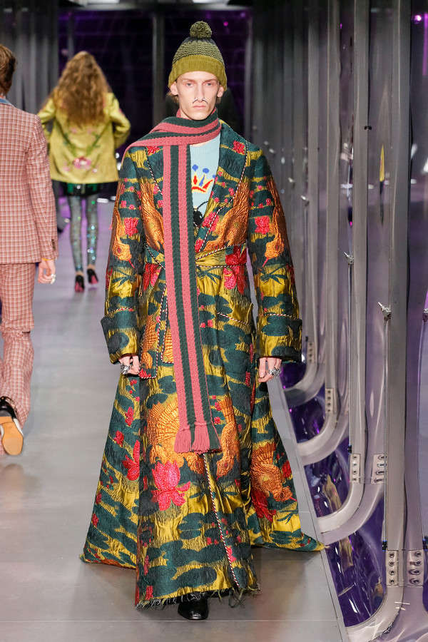 gucci-fw17-rtw-fall-winter-2017-2018-collection (13)-printed-coat