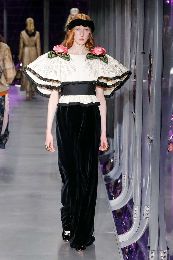 gucci-fw17-rtw-fall-winter-2017-2018-collection (36)-sleeves-applique