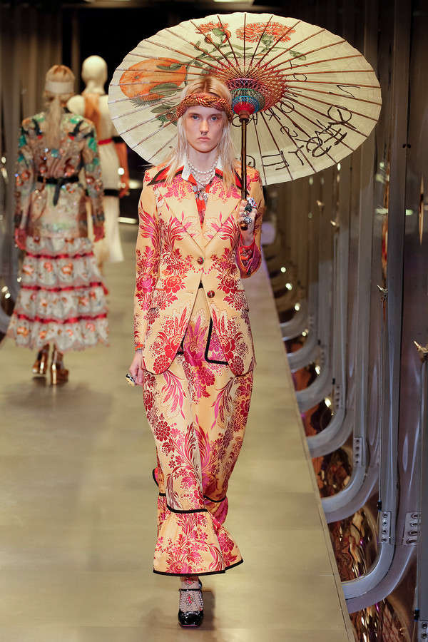 gucci-fw17-rtw-fall-winter-2017-2018-collection (4)-floral-skirt