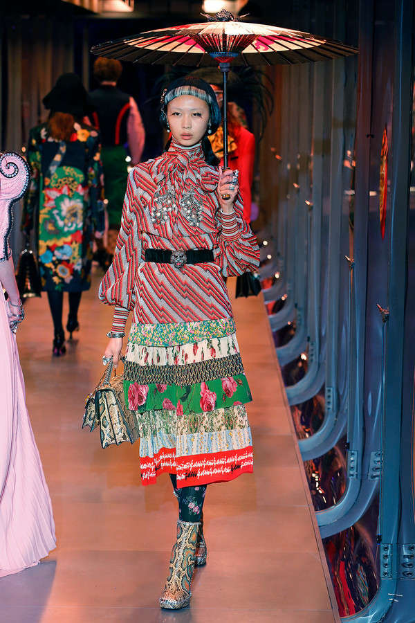 gucci-fw17-rtw-fall-winter-2017-2018-collection (60)-printed-dress