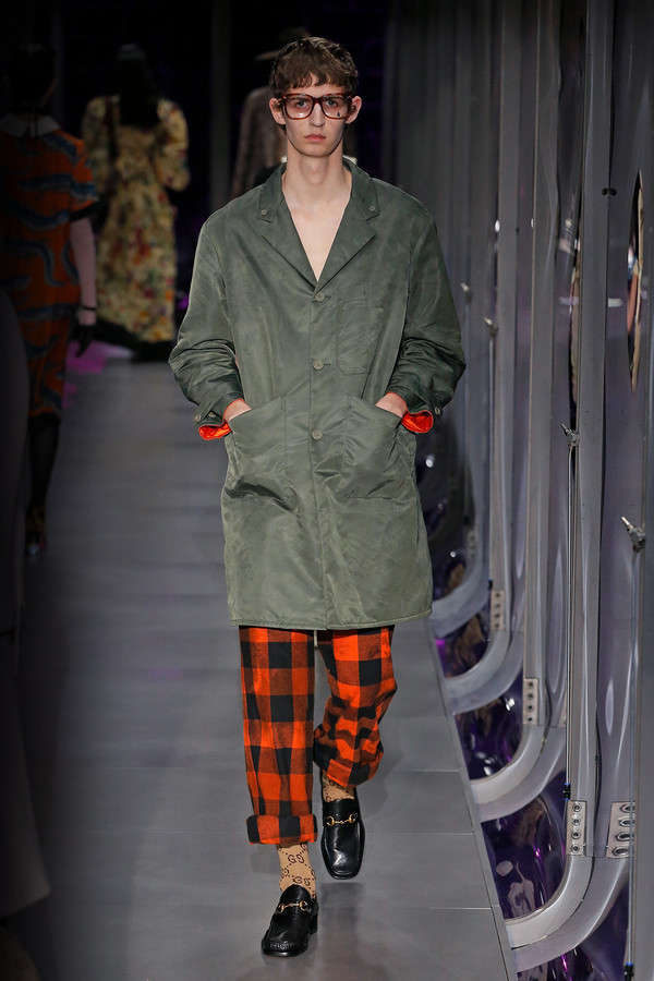 gucci-fw17-rtw-fall-winter-2017-2018-collection (62)-checkered-pant
