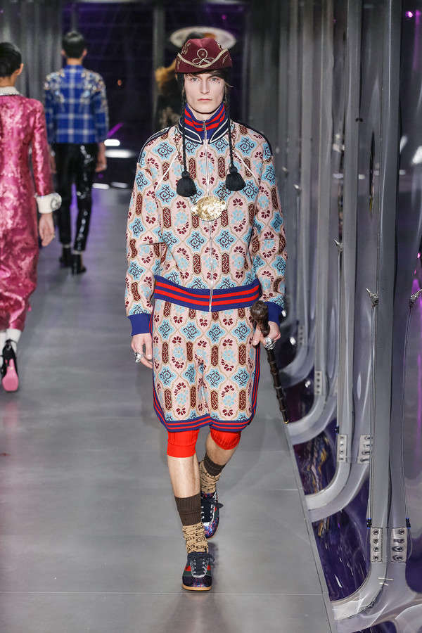 gucci-fw17-rtw-fall-winter-2017-2018-collection (63)-printed-jacket