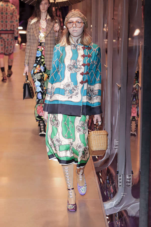 gucci-fw17-rtw-fall-winter-2017-2018-collection (66)-printed-skirt