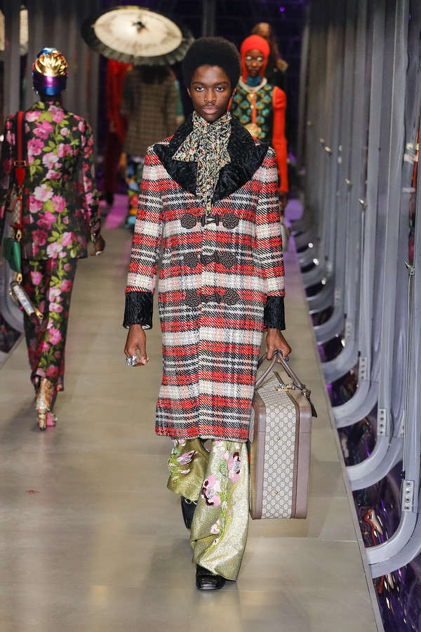 gucci-fw17-rtw-fall-winter-2017-2018-collection (69)-checkered-coat